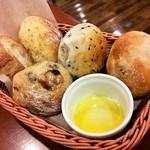 17410058 - 食べ放題のパン