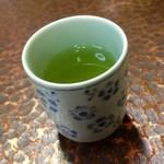 ひら井 - 熱いお茶が嬉しい