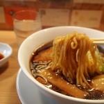 人類みな麺類 - らーめん micro(ミクロ)  麺