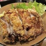 ひびき黒豚劇場 - 鶏もも肉の竜田揚げ