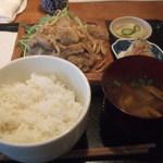 九州鍋家 KATETE - 豚の生姜焼き定食 900円