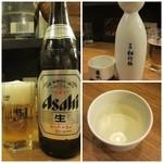 江古田 樽平 - 瓶ビール(中)¥550・樽平(辛口)¥500