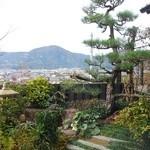 達人村喫茶山ぼうし - 席から見える庭
