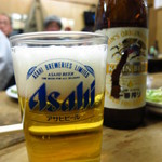 ほさかや - ビール(小)350円 グラスはアサヒだが、ビール自体はキリン(笑)