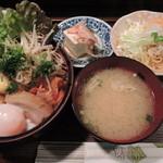 17426319 - 豚角煮盛り丼定食