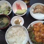 龍宴 - えびちり定食680円