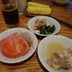 レストラン&BAR SANTANA - 食べ放題の惣菜たち