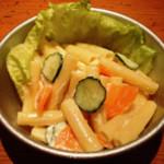 給食当番 - 給食のマカロニサラダ