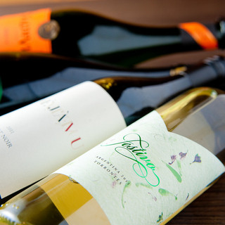 鉄板焼きとワインのペアリングをお楽しみください