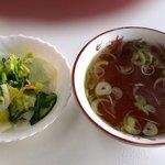 """万福 - 万福 @本蓮沼 """"ライス"""" に付くスープと浅漬け"""
