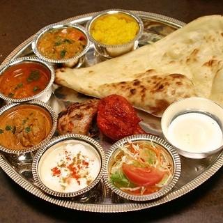 なんといっても美味しさに自信あり!本格インド料理