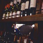 17443451 - どれもこれも、ほとんどが、スクリューキャップの安物ワイン