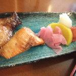 東京満月 - 焼鮭も付いています