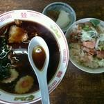 扇屋 - 料理写真:ラーメン小もつ丼セット800円