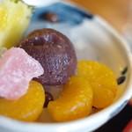 鉢の木 - 小赤豆餡(あづきあん)