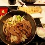 うだま - 温玉和牛肉ぶっかけ + ちくわ天
