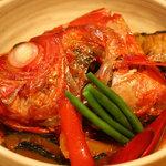 1745445 - 金目鯛の兜煮。絶妙なタレも美味!