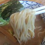 らーめん丸木屋 - 麺リフト