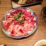 豊中牧場 - 盛りC  ロース・バラ・ハラミ・ツラミ・サイコロステーキ