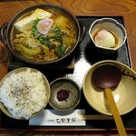 こむすび - 豚キムチ豆腐鍋定食(900円)