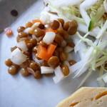 カフェ ポテリ - 前菜のレンズ豆の酢漬けアップ
