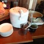 温しゃぶ居酒屋 かぐら - ご飯とスープはセルフです。