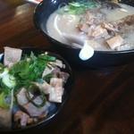 Menyaguumotonari - 肉もとなり+もとなり丼