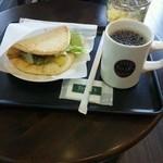 タリーズコーヒー TSUTAYA WAY 名張店 - 2013.02.23 ベーシックpizza、ホット珈琲