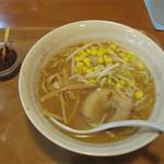 元祖赤のれん節ちゃんラーメン - 天神店にはないメニューもあります。 味噌ラーメン580円。 ちなみに醤油ラーメンもあります。