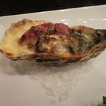 イタリア料理 イル・ヴィネイト - 牡蠣のグラタン風