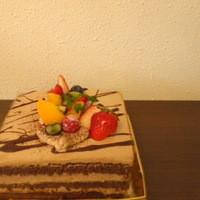 フォーリーフハウス - 【スクエア・ガトーショコラ】毎回デコレーションが違うので毎日が楽しみなケーキ♪