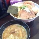 野武義 - チャーシューつけ麺+中盛り!可もなく不可もなし。