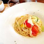 オリーブダイニング  - 野菜をふんだに使ったアーリオオーリオ 白ワイン風味パスタ '13 1月上旬