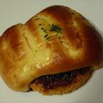 ベーカーシェフ - コロッケパン 130円 小ぶりで小腹がすいた時に丁度