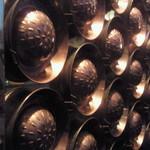 17467978 - 壁には鍋が・・・