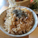 ウナ・カメラ・リーベラ - 玄米