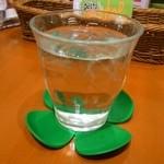 生パスタバカの店 赤坂パストディオ - お水のコースターもかわいい