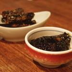 17476927 - お通しは鰯煮と生海苔山葵和えをチョイス