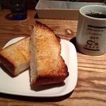 シーズカフェ - バタートーストセット