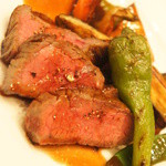 コーダリー - メイン:甲州ワイン牛のロティ 夏野菜添え 赤ワインソース