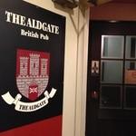 THE ALDGATE - 入口の看板です。