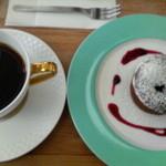 花カフェきゃろっと - ケーキセット(フォンダンショコラ+本日のコーヒー)800円 2013/02