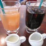 SUZU CAFE - アイスコーヒー  グァバジュース