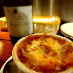 Wine bistro 晴 - オニオングラタンスープ