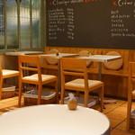 ビスキュイ - 2013.2 カフェコーナーの座席