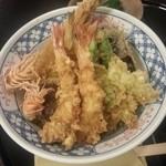 17494089 - 季節の天丼。¥2500。
