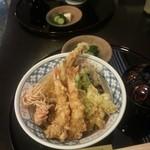 17494094 - 季節の天丼。¥2500。