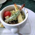 ペーシェルーナ - <移転前>寄島産牡蠣と黄ニラのオリーブオイル煮