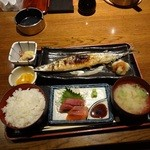 駒八 - サンマの塩焼き&ミニお刺身ランチ800円