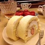 仙台国際ホテル デリカショップ - 苺ロール